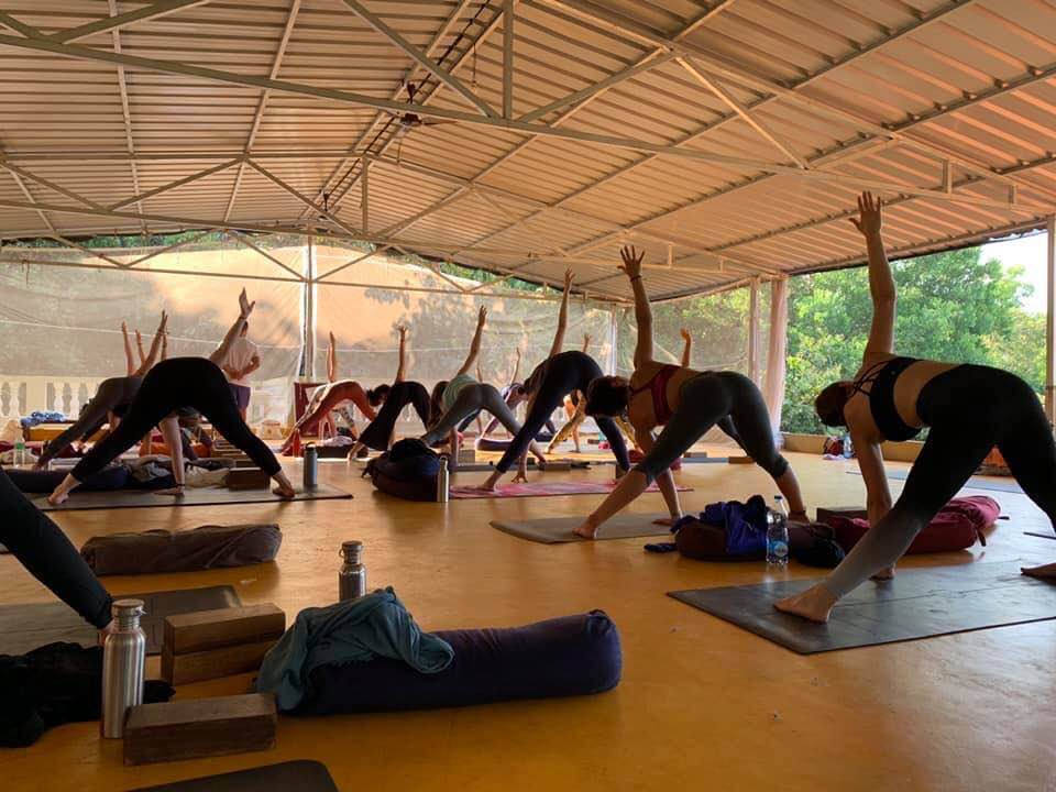 Sampoorna Yoga- Vinyasa Class