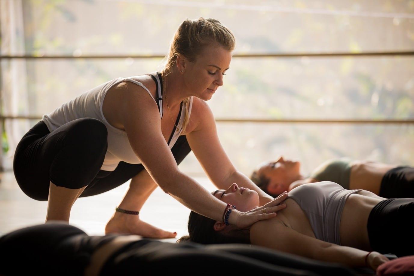 yin yoga asana for winter - Spinal twist